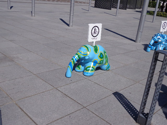 横浜港の象