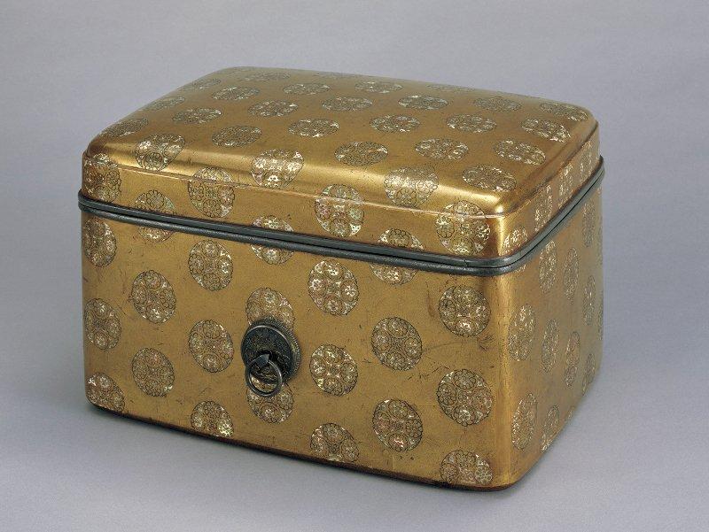 国宝「浮線綾螺鈿蒔絵手箱」サントリー美術館所蔵