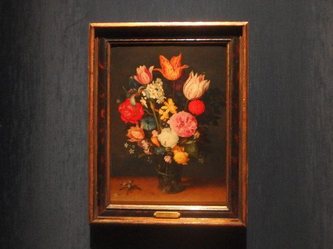 ヤン・ブリューゲル1世「卓上の花瓶に入ったチューリップと薔薇」ブリューゲル展